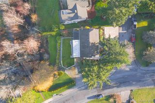 Photo 32: 704 Brookridge Pl in VICTORIA: SW Northridge House for sale (Saanich West)  : MLS®# 811584