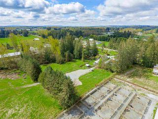 Photo 5: 932 240 Street in Langley: Otter District House for sale : MLS®# R2357650