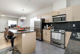 Photo 10: 410 1661 FRASER Avenue in Port Coquitlam: Glenwood PQ Townhouse for sale : MLS®# R2365928