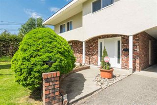 Photo 2: 17865 57 Avenue in Surrey: Cloverdale BC House for sale (Cloverdale)  : MLS®# R2366859