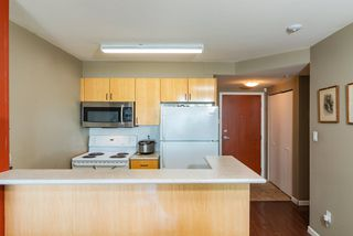 Photo 6: 802 2763 CHANDLERY Place in Vancouver: Fraserview VE Condo for sale (Vancouver East)  : MLS®# R2367614