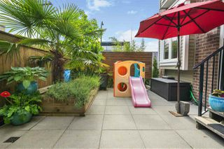 """Photo 19: 328 SEMLIN Drive in Vancouver: Hastings Townhouse for sale in """"Sunrise Views"""" (Vancouver East)  : MLS®# R2373951"""
