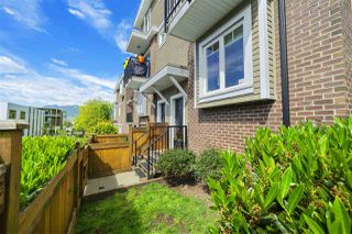 """Photo 2: 328 SEMLIN Drive in Vancouver: Hastings Townhouse for sale in """"Sunrise Views"""" (Vancouver East)  : MLS®# R2373951"""