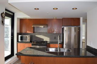 "Photo 7: 608 9180 HEMLOCK Drive in Richmond: McLennan North Condo for sale in ""MAGNOLIA"" : MLS®# R2387706"