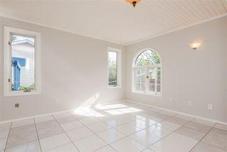 Photo 9: 9812 73 Avenue NW in Edmonton: Zone 17 House for sale : MLS®# E4177086