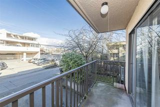 "Photo 18: 203 2255 W 5TH Avenue in Vancouver: Kitsilano Condo for sale in ""VILLA FIORITA"" (Vancouver West)  : MLS®# R2435846"