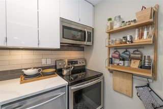 "Photo 7: 203 2255 W 5TH Avenue in Vancouver: Kitsilano Condo for sale in ""VILLA FIORITA"" (Vancouver West)  : MLS®# R2435846"