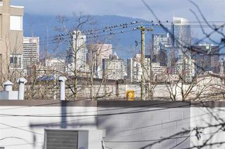 "Photo 10: 203 2255 W 5TH Avenue in Vancouver: Kitsilano Condo for sale in ""VILLA FIORITA"" (Vancouver West)  : MLS®# R2435846"