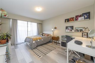 "Photo 11: 203 2255 W 5TH Avenue in Vancouver: Kitsilano Condo for sale in ""VILLA FIORITA"" (Vancouver West)  : MLS®# R2435846"