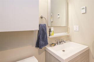 "Photo 15: 203 2255 W 5TH Avenue in Vancouver: Kitsilano Condo for sale in ""VILLA FIORITA"" (Vancouver West)  : MLS®# R2435846"