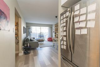 "Photo 8: 203 2255 W 5TH Avenue in Vancouver: Kitsilano Condo for sale in ""VILLA FIORITA"" (Vancouver West)  : MLS®# R2435846"