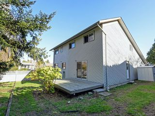Photo 22: 1592 Thelma Place in VICTORIA: SE Mt Doug Single Family Detached for sale (Saanich East)  : MLS®# 422052