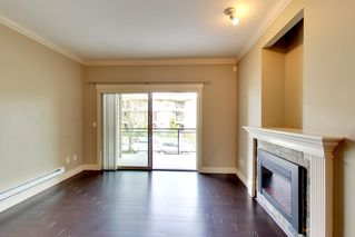 Photo 4: 202 15368 17A AVENUE in Surrey: King George Corridor Condo for sale (South Surrey White Rock)  : MLS®# R2151700
