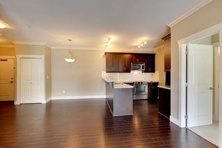 Photo 7: 202 15368 17A AVENUE in Surrey: King George Corridor Condo for sale (South Surrey White Rock)  : MLS®# R2151700