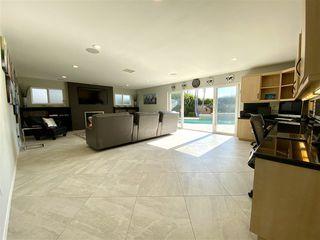 Photo 8: LA JOLLA House for rent : 7 bedrooms : 8685 Nottingham Pl.