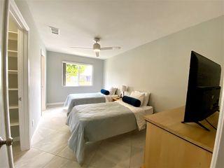 Photo 10: LA JOLLA House for rent : 7 bedrooms : 8685 Nottingham Pl.