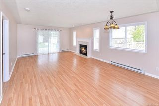 Photo 8: 9448 Maryland Dr in Sidney: Si Sidney South-East Half Duplex for sale : MLS®# 836414
