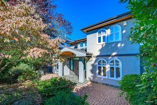 Photo 2: 3853 W 12TH Avenue in Vancouver: Point Grey House for sale (Vancouver West)  : MLS®# R2497216
