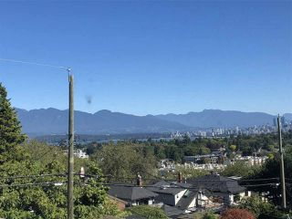 Photo 4: 3853 W 12TH Avenue in Vancouver: Point Grey House for sale (Vancouver West)  : MLS®# R2497216