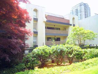 "Photo 10: 207 1955 WOODWAY Place in Burnaby: Brentwood Park Condo for sale in ""DOUGLAS VIEW"" (Burnaby North)  : MLS®# V896512"