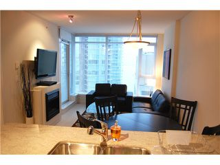 """Photo 5: 1602 1188 W PENDER Street in Vancouver: Coal Harbour Condo for sale in """"THE SAPPHIRE"""" (Vancouver West)  : MLS®# V1035875"""