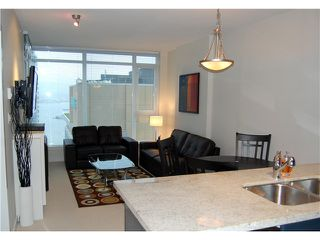 """Photo 4: 1602 1188 W PENDER Street in Vancouver: Coal Harbour Condo for sale in """"THE SAPPHIRE"""" (Vancouver West)  : MLS®# V1035875"""