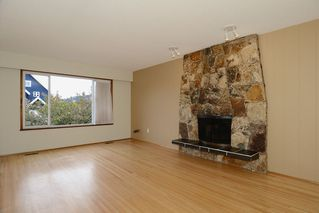 Photo 2: 243 East 20th Avenue in Vancouver East: Home for sale : MLS®# V1005618