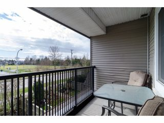 """Photo 10: 2 18181 68TH Avenue in Surrey: Cloverdale BC Townhouse for sale in """"MAGNOLIA"""" (Cloverdale)  : MLS®# F1405291"""