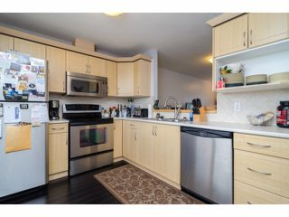 """Photo 7: 2 18181 68TH Avenue in Surrey: Cloverdale BC Townhouse for sale in """"MAGNOLIA"""" (Cloverdale)  : MLS®# F1405291"""