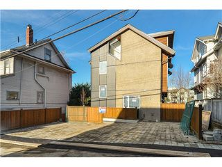 """Photo 3: 1812 E PENDER Street in Vancouver: Hastings Townhouse for sale in """"AZALEA HOMES"""" (Vancouver East)  : MLS®# V1051701"""