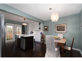 Photo 5: 214 BALMORAL Place in Port Moody: North Shore Pt Moody Townhouse for sale : MLS®# V1056784