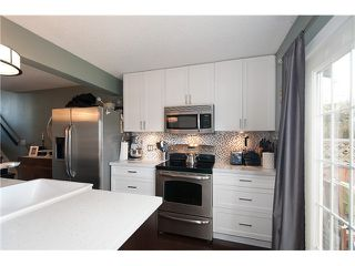 Photo 4: 214 BALMORAL Place in Port Moody: North Shore Pt Moody Townhouse for sale : MLS®# V1056784