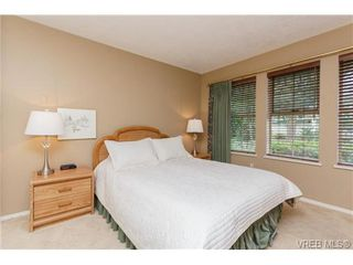 Photo 8: 301 510 Marsett Pl in VICTORIA: SW Royal Oak Row/Townhouse for sale (Saanich West)  : MLS®# 684520