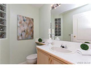 Photo 9: 301 510 Marsett Pl in VICTORIA: SW Royal Oak Row/Townhouse for sale (Saanich West)  : MLS®# 684520