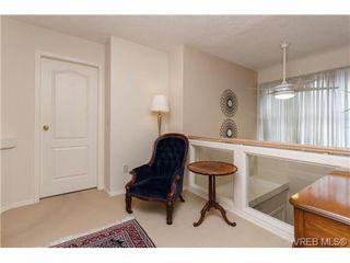 Photo 11: 301 510 Marsett Pl in VICTORIA: SW Royal Oak Row/Townhouse for sale (Saanich West)  : MLS®# 684520