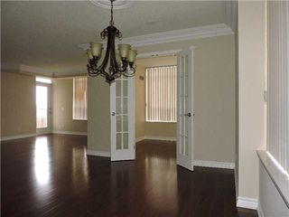 Photo 6: 711 35 Kingsbridge Garden Circle in Mississauga: Hurontario Condo for sale : MLS®# W3220154