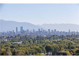"Photo 2: 406 3637 W 17TH Avenue in Vancouver: Dunbar Townhouse for sale in ""Highbury House"" (Vancouver West)  : MLS®# V1140003"