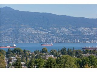 "Photo 1: 406 3637 W 17TH Avenue in Vancouver: Dunbar Townhouse for sale in ""Highbury House"" (Vancouver West)  : MLS®# V1140003"