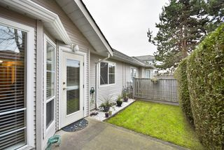 "Photo 10: 8 7127 124 Street in Surrey: West Newton Townhouse for sale in ""CAMELLIA WYNDE"" : MLS®# R2023947"