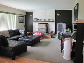 Photo 3: 5824 172 Street in Surrey: Cloverdale BC House for sale (Cloverdale)  : MLS®# R2088081