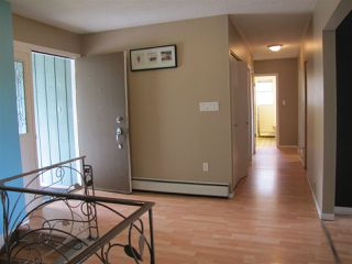 Photo 2: 5824 172 Street in Surrey: Cloverdale BC House for sale (Cloverdale)  : MLS®# R2088081