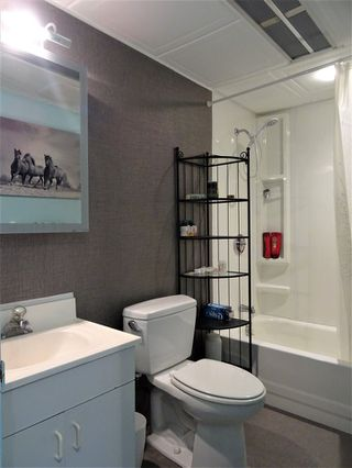 """Photo 5: 15 4200 DEWDNEY TRUNK Road in Coquitlam: Ranch Park Manufactured Home for sale in """"HIDEWAY PARK"""" : MLS®# R2124110"""