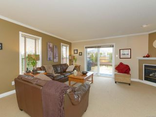 Photo 2: 2192 STIRLING Crescent in COURTENAY: CV Courtenay East House for sale (Comox Valley)  : MLS®# 749606