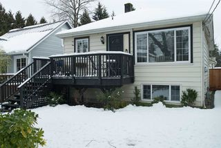 "Photo 2: 1536 MACGOWAN Avenue in North Vancouver: Norgate House for sale in ""Norgate"" : MLS®# R2136887"