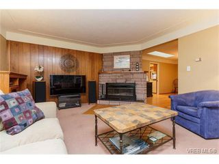 Photo 7: 425 Tipton Avenue in VICTORIA: Co Wishart South Single Family Detached for sale (Colwood)  : MLS®# 375355