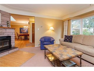 Photo 4: 425 Tipton Ave in VICTORIA: Co Wishart South House for sale (Colwood)  : MLS®# 753369