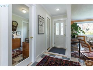 Photo 3: 9951 Bessredge Pl in SIDNEY: Si Sidney North-East Single Family Detached for sale (Sidney)  : MLS®# 757206
