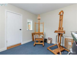 Photo 16: 9951 Bessredge Pl in SIDNEY: Si Sidney North-East Single Family Detached for sale (Sidney)  : MLS®# 757206