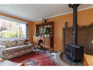 Photo 4: 9951 Bessredge Pl in SIDNEY: Si Sidney North-East Single Family Detached for sale (Sidney)  : MLS®# 757206