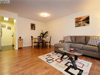 Photo 1: 111 1005 McKenzie Ave in VICTORIA: SE Quadra Condo for sale (Saanich East)  : MLS®# 757826